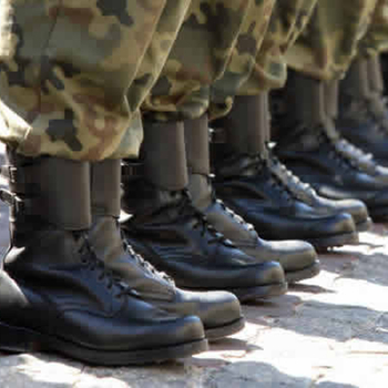 How to choose the proper military boots?